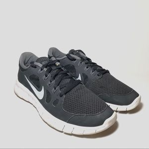 Nike Free 5.0 Running Shoes Size 7
